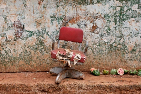chair in havana 5 , photography tour by louis alarcon