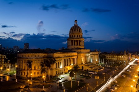 capitol of havana at night, long exposure picture by louis alarcon